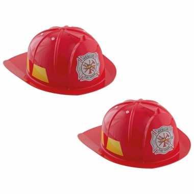 Set van 2x stuks rode brandweerhelmen verkleed accessoire voor kinderen