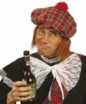 Schotse muts met pruik